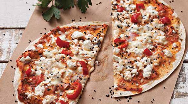 beyaz-peynirli-tortilla-pizza