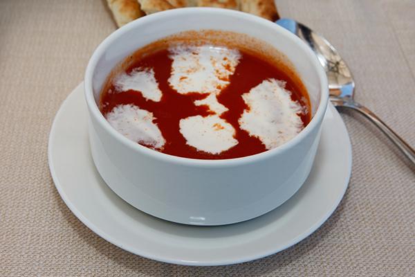 domatesli-yogurt-corbasi