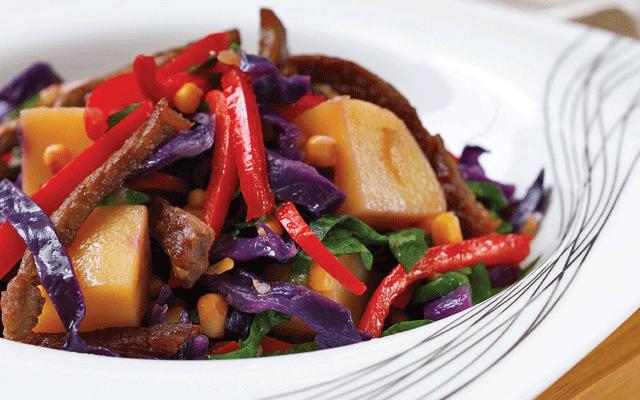 kirmizi-lahanali-patates-salatasi