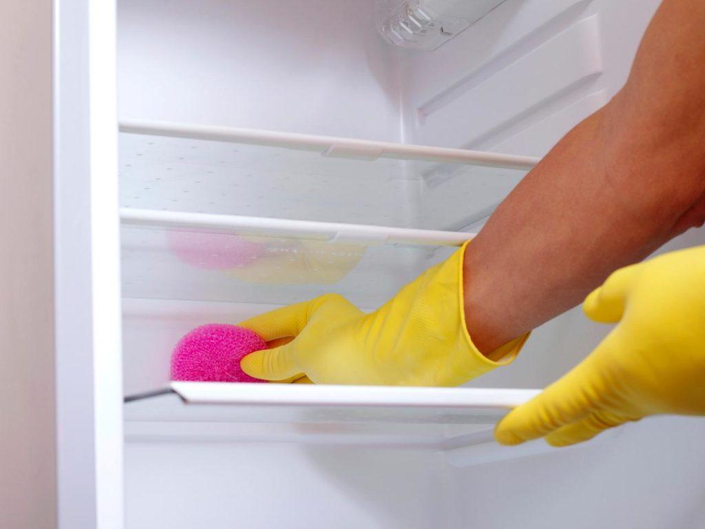 buzdolabı temizleme