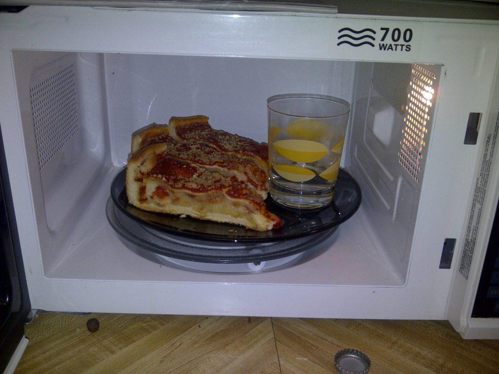 mikrodalgada yemek ısıtma