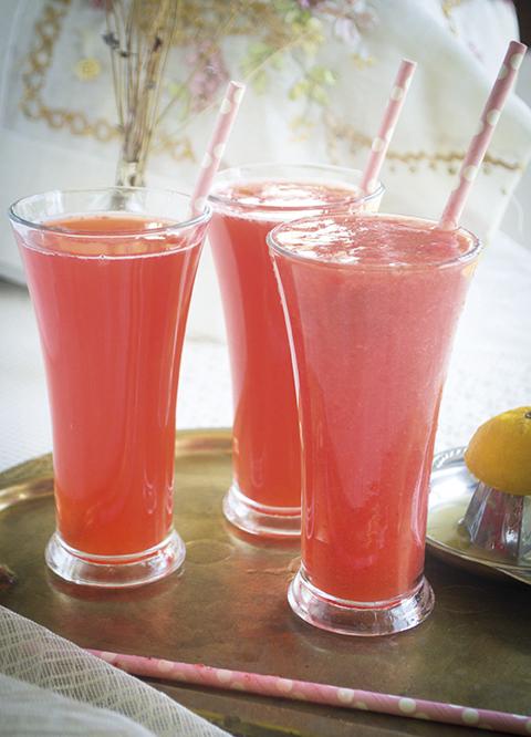 Glütensiz ve şekersiz beslenmek zorunda olanlar, tercihini bu beslenme tarzından yana kullananlar, Sıla Alkan'ın hazırladığı reçeteleri, gönül rahatlığıyla Ramazan menünüze dahil edebilirsiniz.