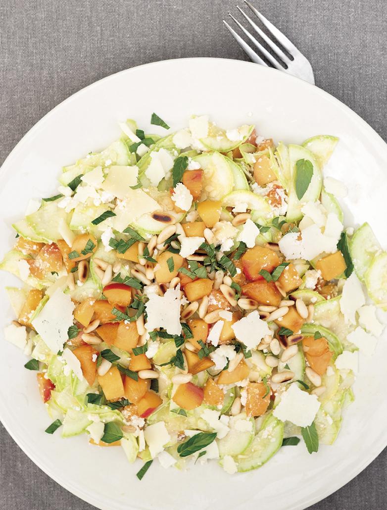 Kayısılı Çiğ Kabak Salatası