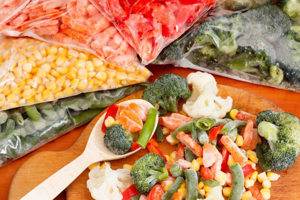 Dondurulmuş veya Konserve Sebze ve Meyvelerin Besin Değeri Değişiyor Mu?
